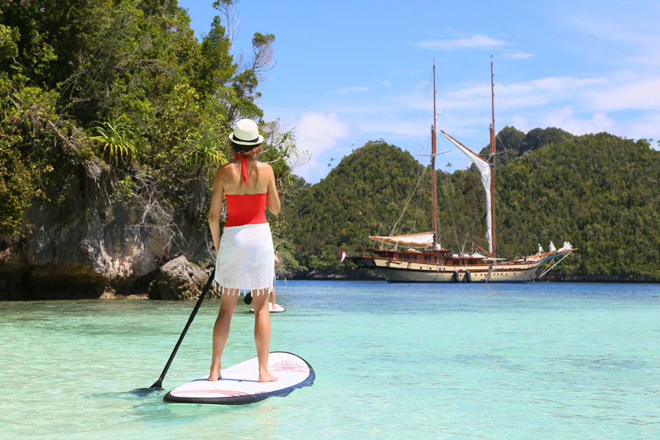 Yacht Charter Toys in Phuket: SUP board